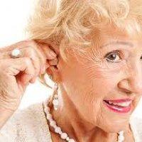 Выбираем слуховой аппарат для пожилых людей