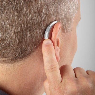Пользование слуховым аппаратом